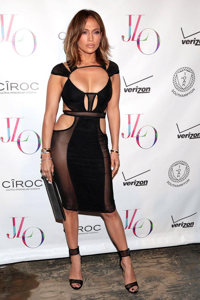 Дженнифер Лопес в откровенном наряде: фото 2015