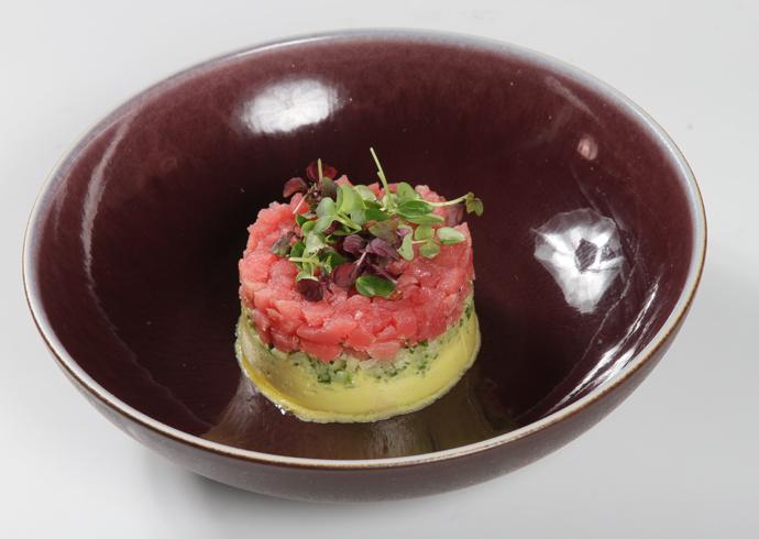 Рецепт «Оливье с тунцом» от шеф-повара Карло Греку ресторана Sixty