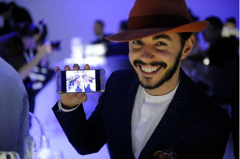 Смарт-fashion: Samsung выступил на Неделе моды в Москве | галерея [1] фото [5]