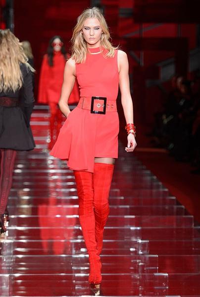 Показ Versace на Неделе моды в Милане | галерея [1] фото [5]
