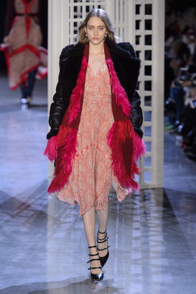 Самые красивые образы Недели моды в Нью-Йорке | галерея [1] фото [29]