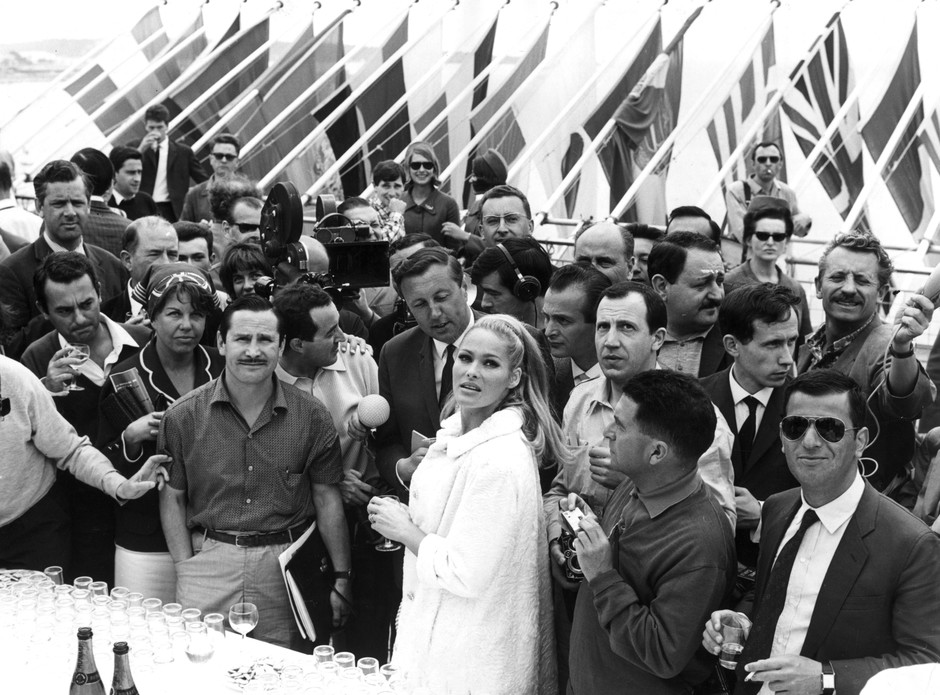 Урсула Андресс, 1960