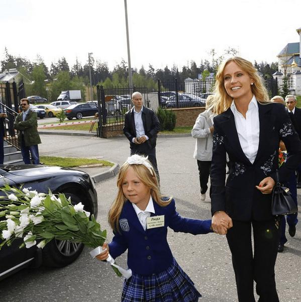 Наталья Чистякова-Ионова с дочерью