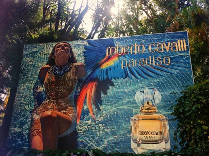 Рекламная кампания аромата Paradiso от Roberto Cavalli