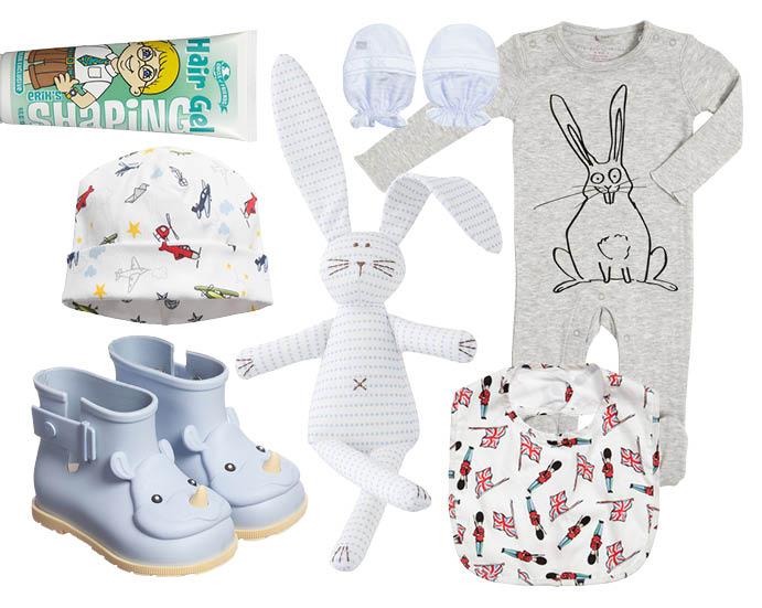 Перчатки, Dior; ползунки, Stella McCartney Kids; игрушка заяц, Petite Bateau; нагрудник, Power Craft; ботинки, Mini Melissa; стайлинг-гель для волос Circle of Friends