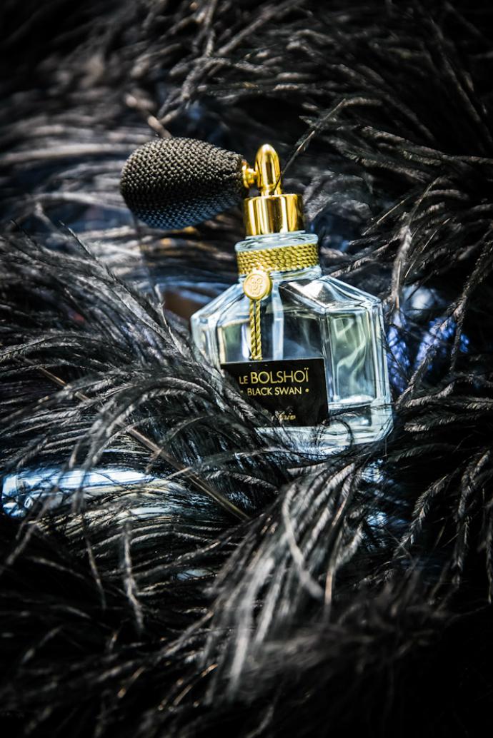 Парфюмерная вода Le Bolshoi Black Swan от Guerlain