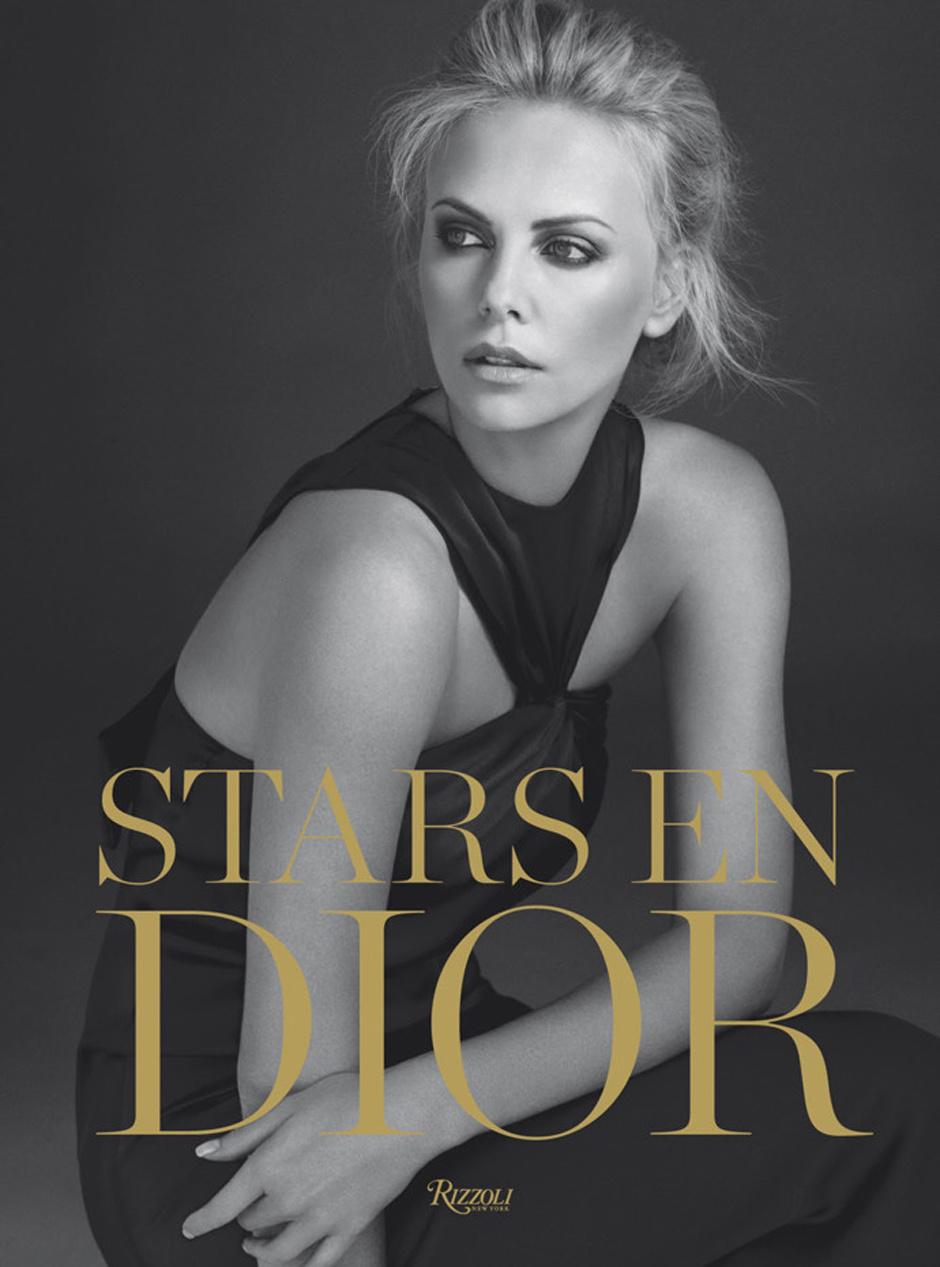 Шарлиз Терон на обложке книги Stars in Dior в платье Dior дизайна Джона Гальяно (коллекция осень-зима 2008)
