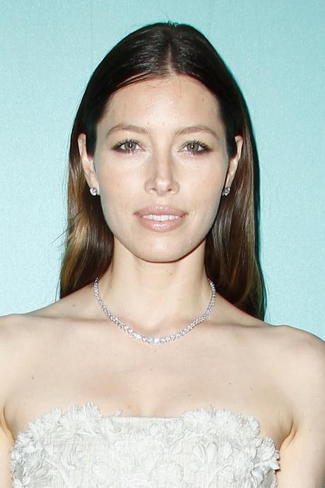 Актриса Джессика Бил: фото 2014