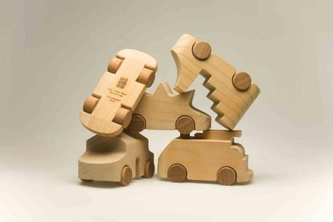 Знаменитые деревянные машинки TobeUs в Москве | галерея [1] фото [4]