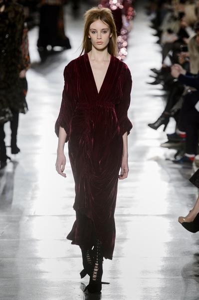 Самые красивые образы Недели моды в Лондоне | галерея [1] фото [27]