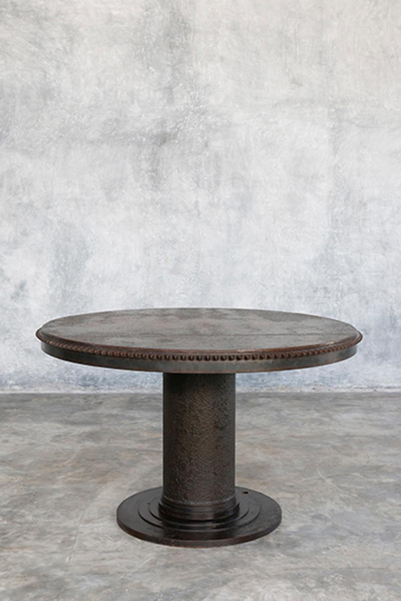 Стол из железа