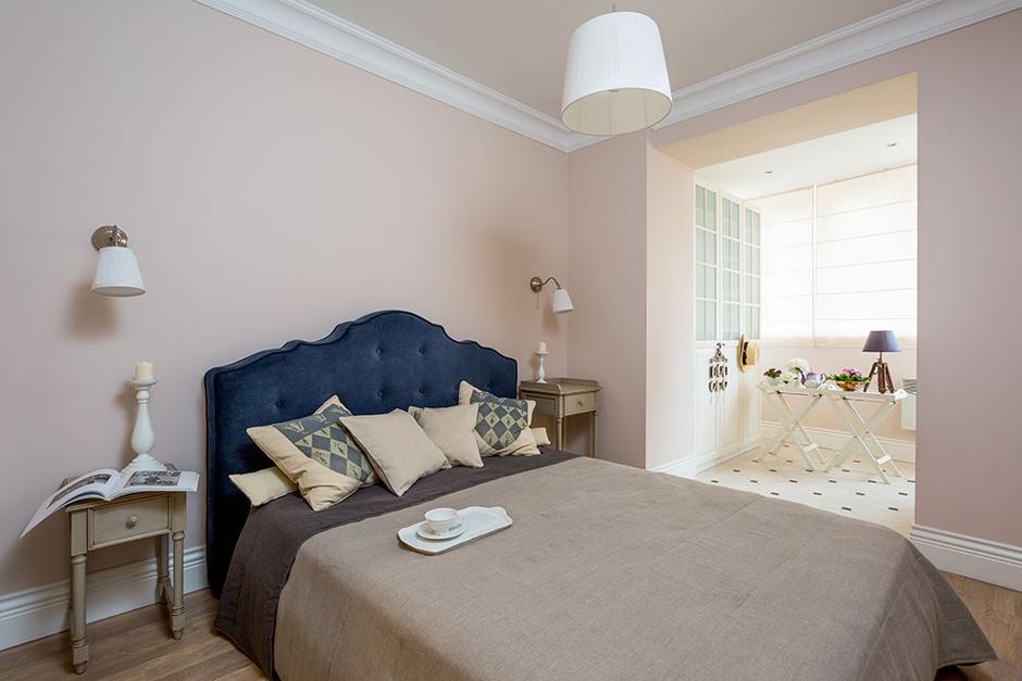 Спальня хозяев. Кровать, DG Home, прикроватные столики, Emile Marqu.
