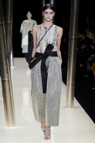 На Неделе высокой моды в Париже прошел юбилейный показ Giorgio Armani Prive | галерея [1] фото [27]