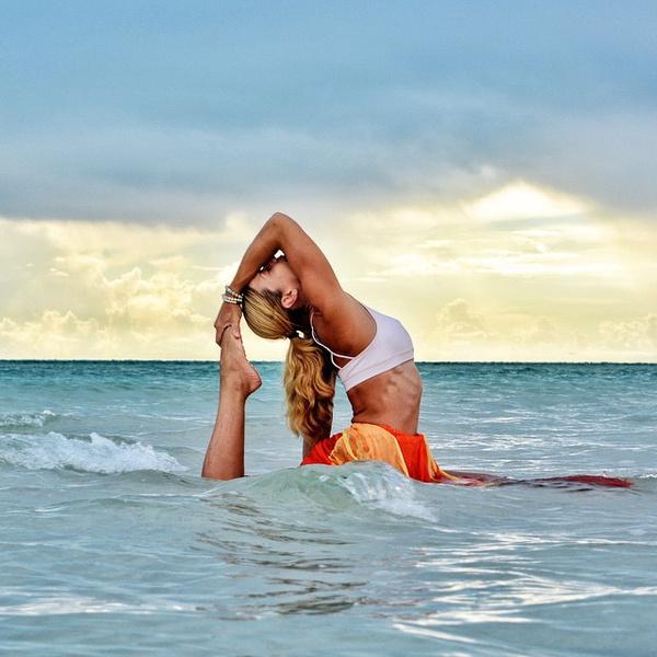 ВСТАЛА В ПОЗУ: 7 мотивирующих йога-аккаунтов | галерея [2] фото [1]