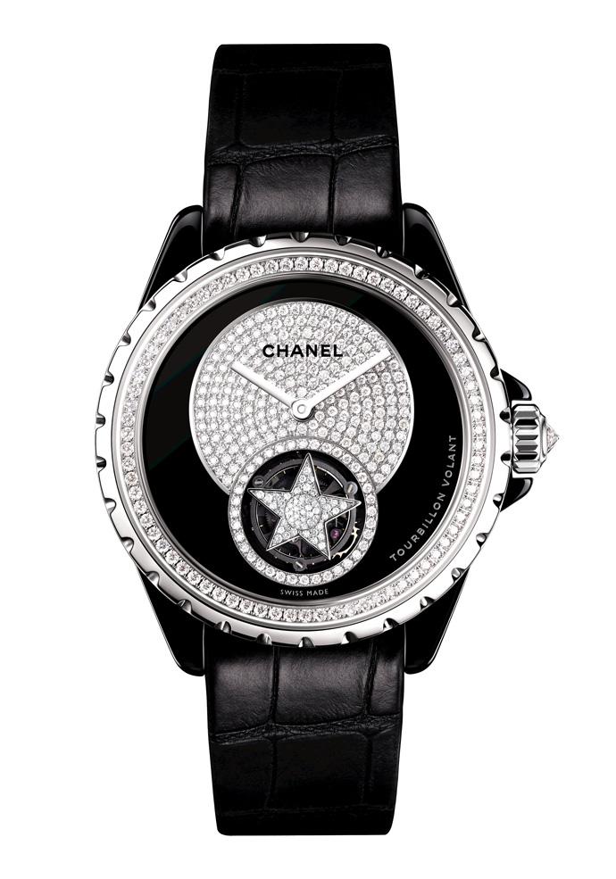 Новинка в бутике Chanel – лимитированная модель часов J12 Flying Tourbillon