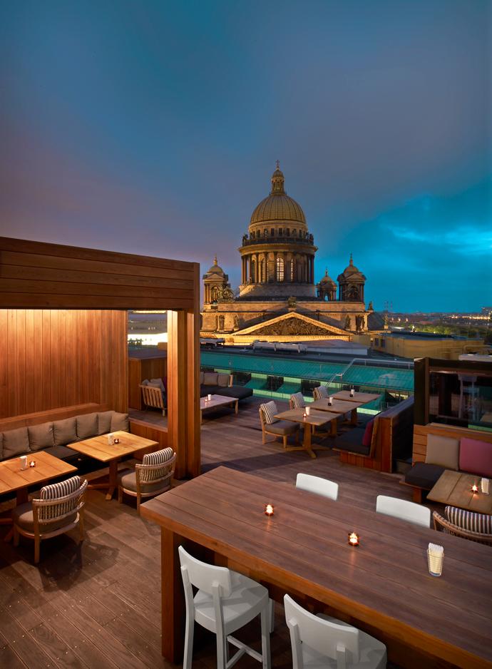 Терраса miXup на крыше отеля W St. Petersburg