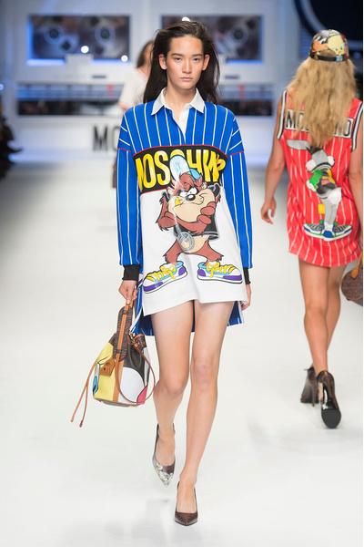 Показ Moschino на Неделе моды в Милане | галерея [2] фото [4]