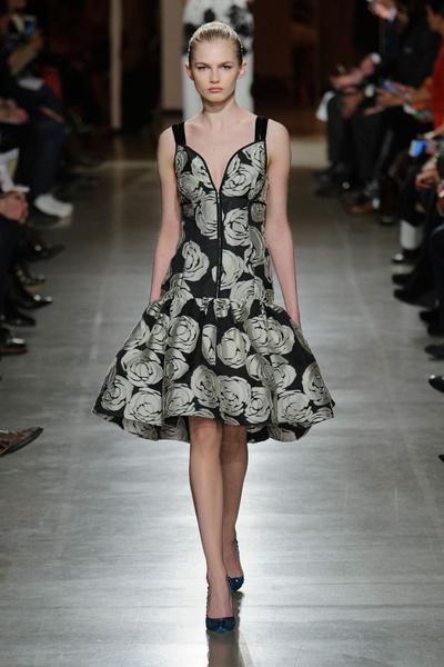 Показ Oscar de la Renta на Неделе моды в Нью-Йорке | галерея [1] фото [18]