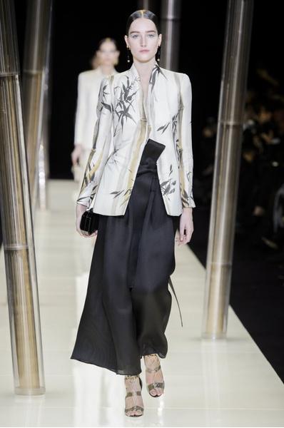 На Неделе высокой моды в Париже прошел юбилейный показ Giorgio Armani Prive | галерея [1] фото [37]