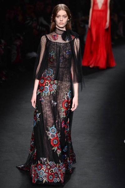 Неделя моды в Париже: показ Valentino ready-to-wear осень — зима 2015-2016 | галерея [1] фото [8]