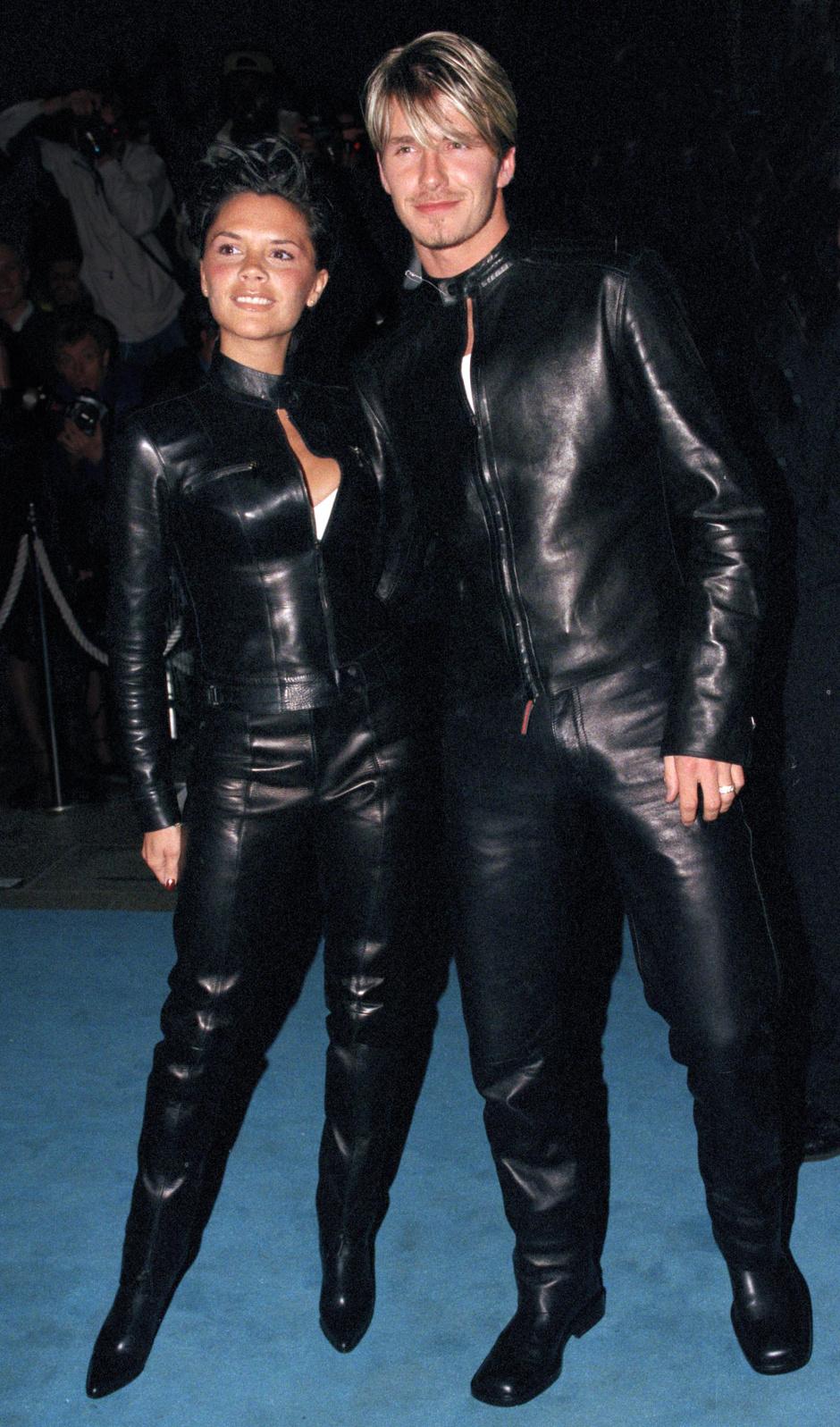 На вечеринке Versace Club (1999)