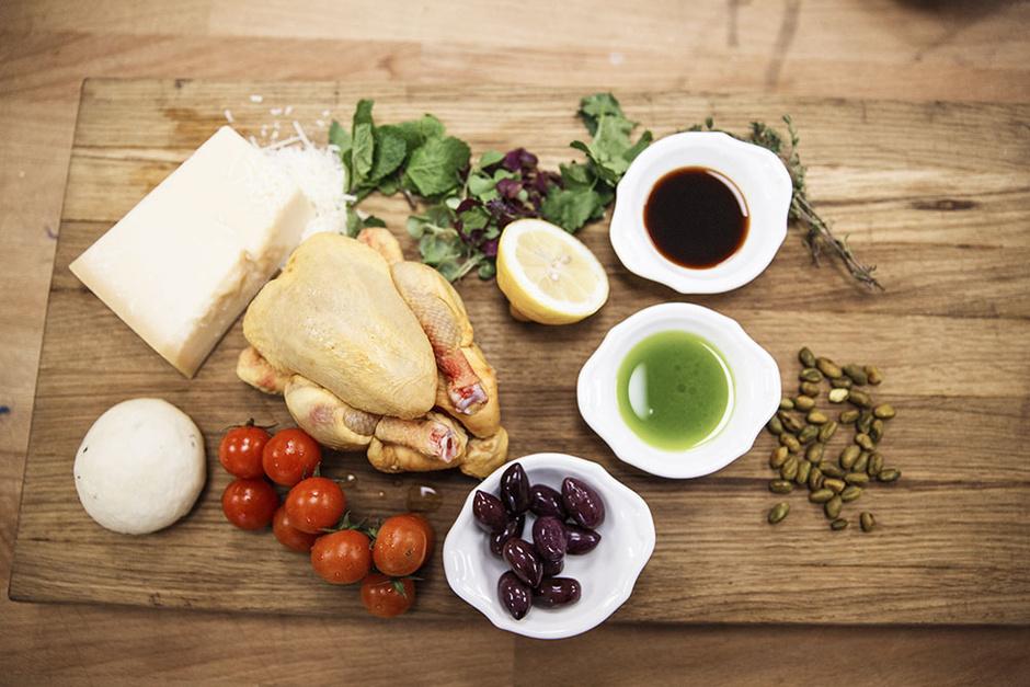 Цыпленок на тонкой лепешке с травами рецепт