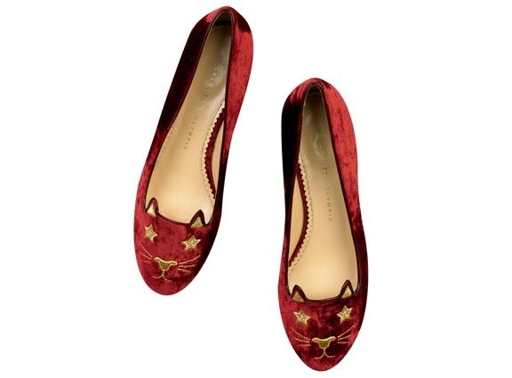 Красивая обувь на плоской подошве