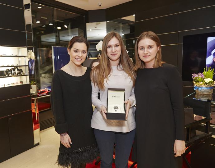 Аделина Сотникова, победительница конкурса и Анна Волкова