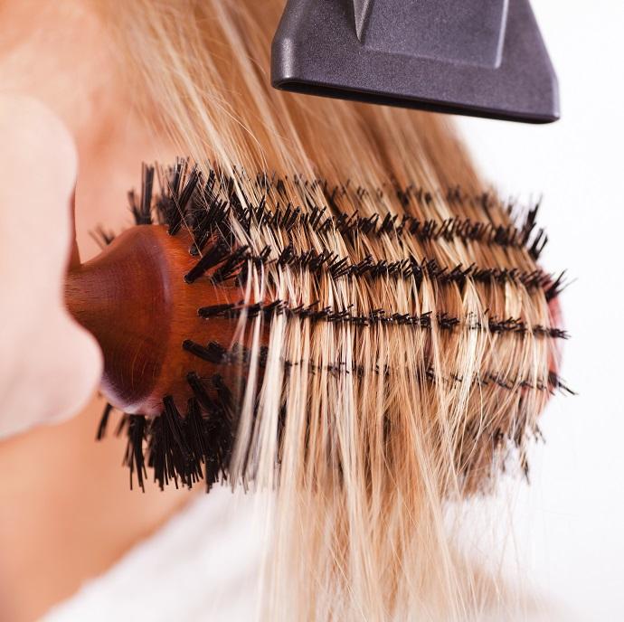 как правильно сушить волосы феном фото