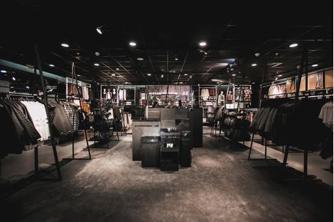 Стартовали продажи коллекции Alexander Wang x H&M