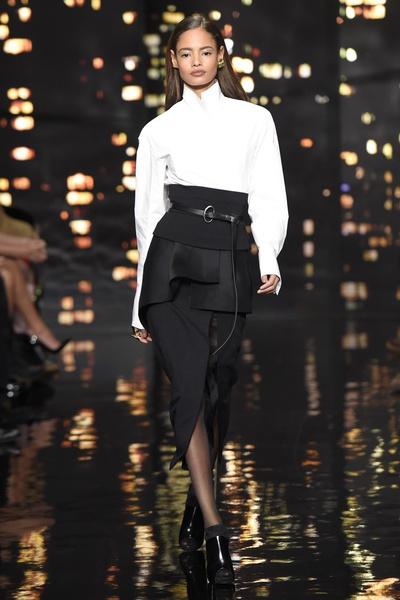 Лучшие показы Недели моды в Нью-Йорке: 16 февраля | галерея [1] фото [4]