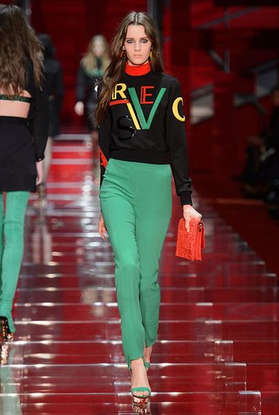 Показ Versace на Неделе моды в Милане | галерея [1] фото [15]