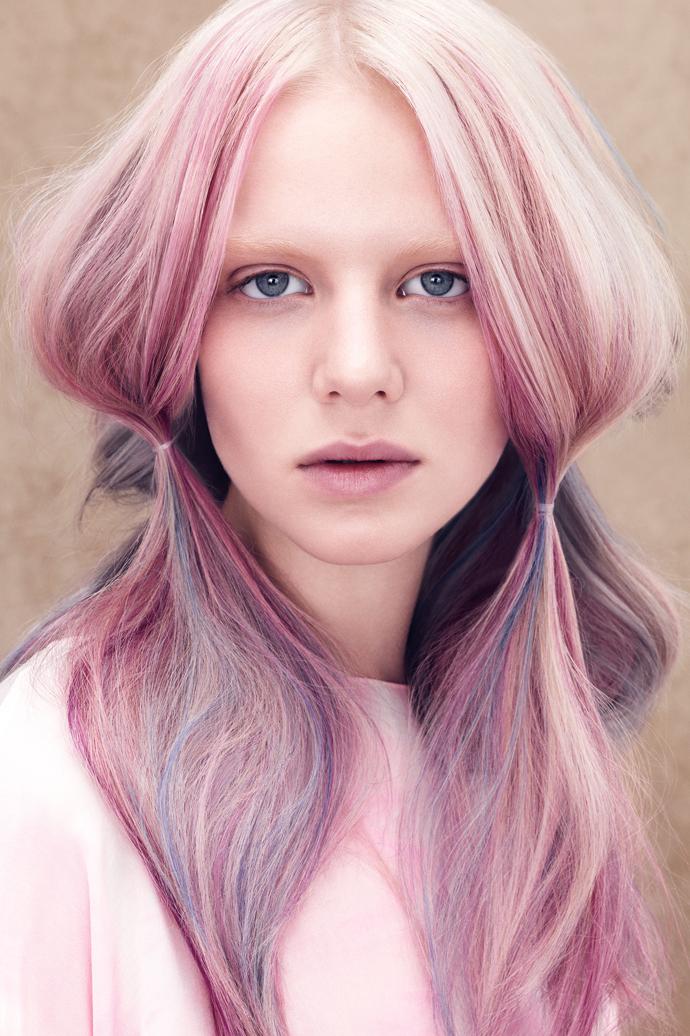 Как сделать цветные пряди волос