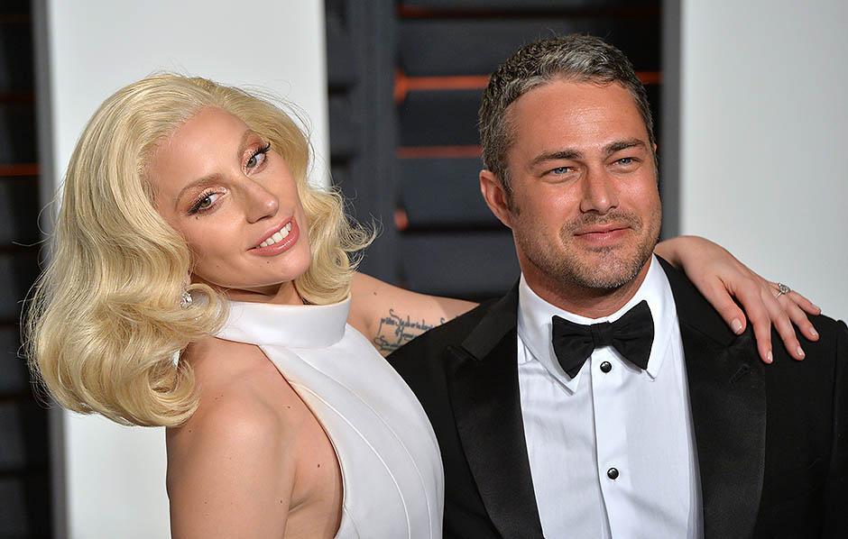 6. Леди Гага и Тейлор Кинни