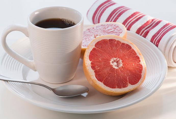 Грейпфрукты и кофе