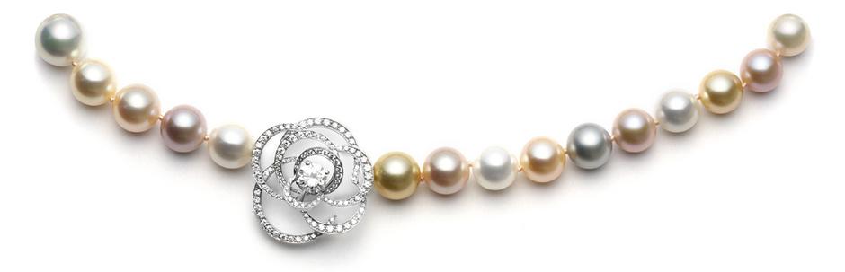 Колье Fil de Camelia, белое золото, жемчуг, бриллианты, Chanel Fine Jewelry, 5 043 100 руб.