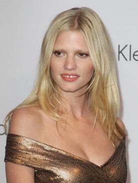 Лара Стоун выиграла дело против Playboy