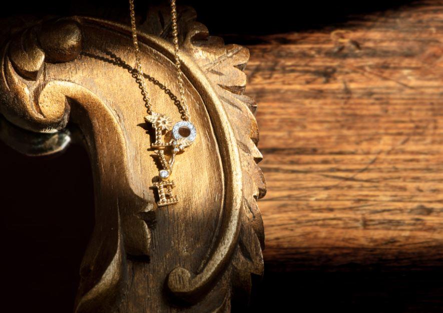 Ювелирный дом Carrera y Carrera выпустил коллекцию украшений LOVE