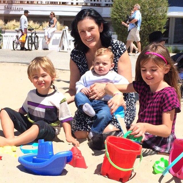 Мама Алессандры Амбросио с внуками: фото