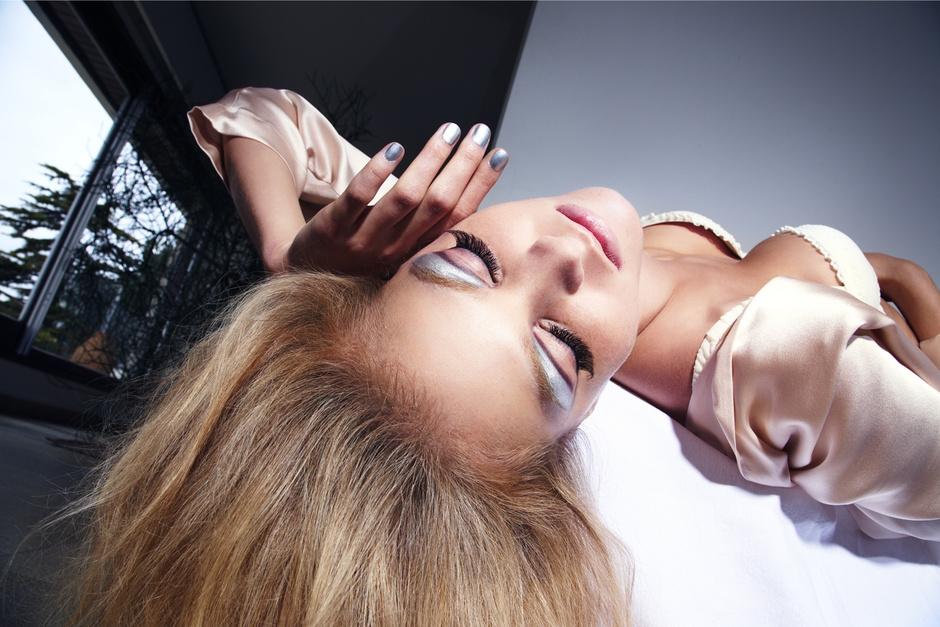 Косметологи и визажисты поделились главными секретами красивой кожи