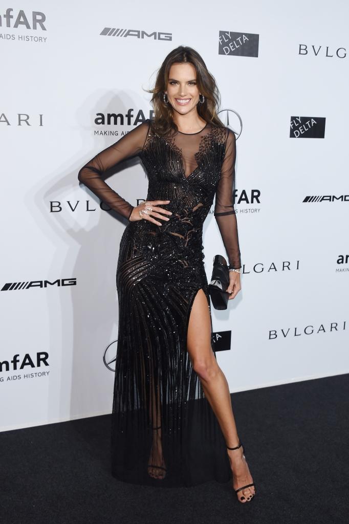 Алессандра Амброзио в Versace