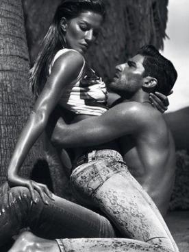 Жизель Бундхен в рекламе Versace Jeans