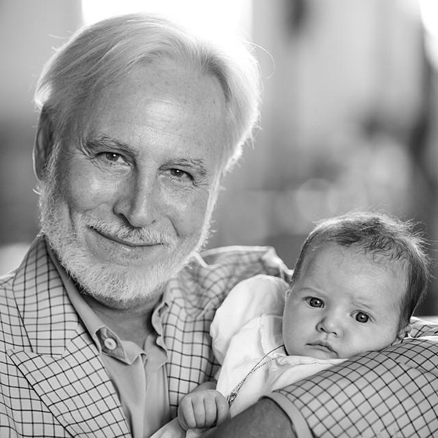 Крис Бреннер с крестной дочерью