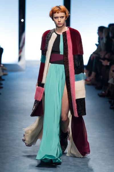 Самые красивые образы Недели моды в Милане | галерея [1] фото [7]