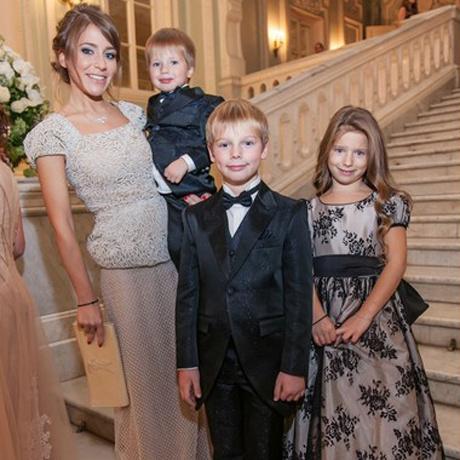 Юлия Барановская с детьми фото