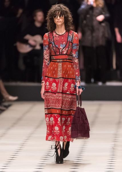Показ Burberry Prorsum на Неделе моды в Лондоне | галерея [1] фото [29]