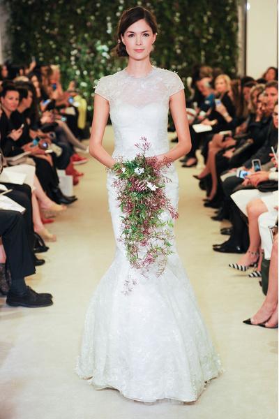 50 самых красивых платьев со Свадебной Недели Моды в Нью-Йорке | галерея [1] фото [38]