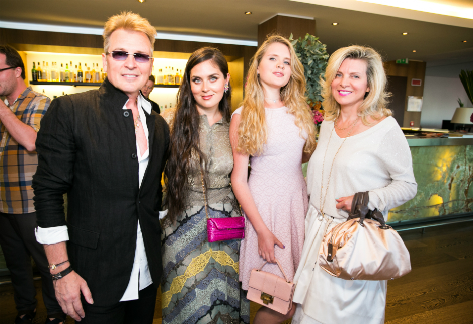 Александр, Устинья и Эмма Малинины с хозяйкой вечера