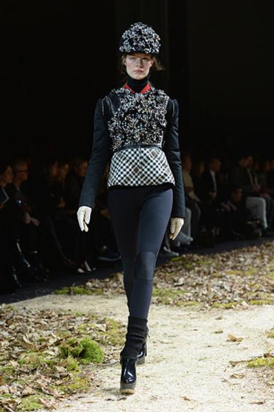 Неделя моды в Париже: показ Moncler Gamme Rouge осень-зима 2015/16 | галерея [1] фото [12]