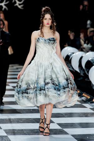 Показ Franc Sorbier коллекции сезона Весна-лето 2014 года haute couture - www.elle.ru - Подиум - фото 575070